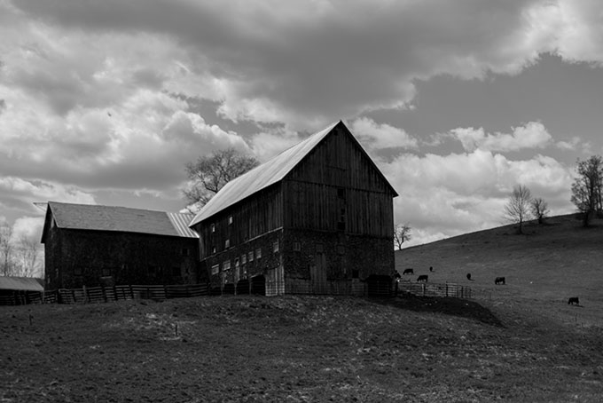 Hewett Barn, photo by Curtis Johnson