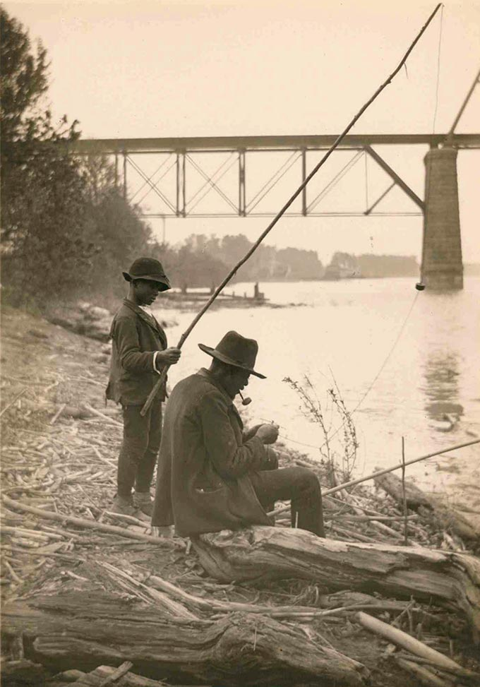 Clifton Johnson, Fishing in the Ohio River